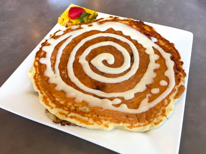 ぐるぐるパンケーキ!モエナカフェが美味しい