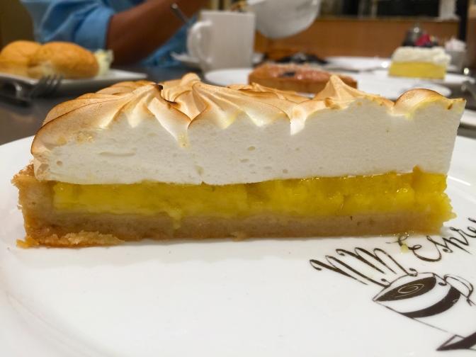 ニーマンマーカスのエスプレッソバーでケーキ3種